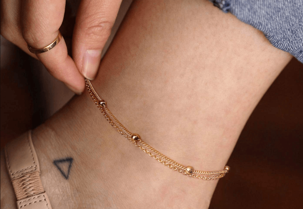 Wear Anklet and Pantyhose